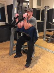 Bizepsmaschine. Biceps