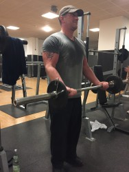 Muskelaufbau Tipps , Bizeps Übungen Freihantel. Hanteltraining + Bizeps Training